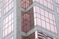 De stedelijke Bezinningen van het Venster Stock Afbeelding