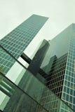 De stedelijke wolkenkrabberbouw Stock Fotografie