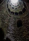 De steen bouwde goed historische architectuur royalty-vrije stock foto