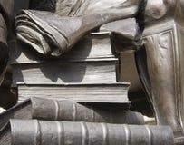 De boeken van de standbeeldsteen royalty-vrije stock foto