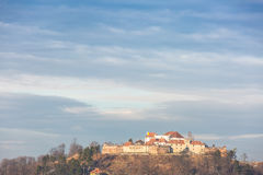 De steencitadel werd gebouwd in 1553 voor beschermende doeleinden van het koninkrijk van Transsylvanië (Roemenië) Royalty-vrije Stock Fotografie
