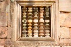 De steenmuur wordt prachtig geplaatst in a Stock Foto's