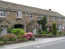 De Steenplattelandshuisjes van Yorkshire stock foto