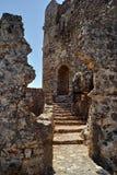 De steenruïnes van een middeleeuws kasteel van de Orde van de Ridders Royalty-vrije Stock Afbeeldingen