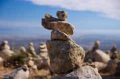 De steenstapel op de bovenkant van Faia Royalty-vrije Stock Foto