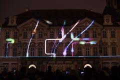 De stem van Cijfers het lichte videomapping bij de Oude steden regelt in Praag tijdens het Signaal lichte festival 2016 Royalty-vrije Stock Afbeelding