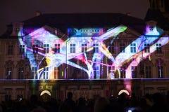 De stem van Cijfers het lichte videomapping bij de Oude steden regelt in Praag tijdens het Signaal lichte festival 2016 Stock Foto