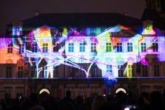De stem van Cijfers het lichte videomapping bij de Oude steden regelt in Praag tijdens het Signaal lichte festival 2016 Stock Foto's