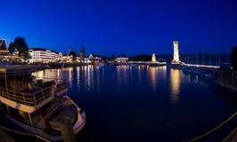 De stemming van de avond bij de haven van Lindau Stock Afbeeldingen