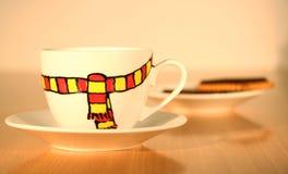 De stemming van de winter in koffiekop stock foto's