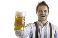 De Stenen bierkroes van het Bier van Oktoberfest van de holding van de mens Royalty-vrije Stock Fotografie