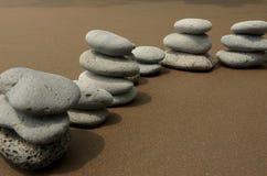 De Stenen van het basalt op Strand royalty-vrije stock foto's