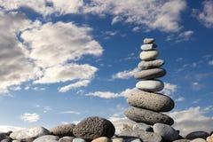 De stenen van Zen op het strand Stock Fotografie