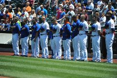 De ster-Spangled Banner die bij een honkbalspel worden gespeeld stock afbeeldingen