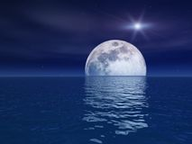 De Ster van de quasar over de Maan van de Nacht over Overzees Royalty-vrije Stock Foto's