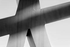 De sterke staalstralen smeedden bij scherpe hoeken aaneen Stock Foto