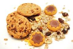 De sterren van het koekje met chocolade en graangewassen stock afbeelding