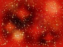 De sterrige rode achtergrond van Kerstmis met stralen Stock Fotografie