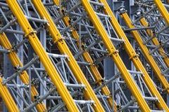De steun van het pylonenstaal Steunpolen voor muren en gebouwen stock afbeelding