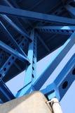 De steunstralen van de brug stock afbeeldingen