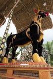De stierensarcofaag klaar voor de Ubud-de Koninklijke Familiebegrafenis en crematie Royalty-vrije Stock Fotografie