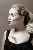 De stijlportret van jaren '50 van mooi meisje Stock Fotografie