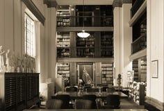 De stilte moet in de bibliotheek zijn Stock Foto's