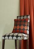 De stoel en het kussen van de stof Royalty-vrije Stock Afbeelding