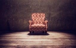 De stoel van Vitage in een oude ruimte Royalty-vrije Stock Fotografie