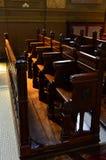 De stoelen van de kerk Stock Afbeeldingen