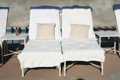 De stoelen van de pool Stock Afbeelding