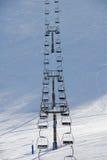 De stoelen van de sneeuw tot de berg Royalty-vrije Stock Fotografie