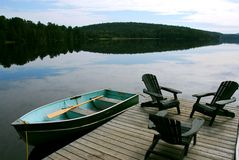 De stoelen van het meer stock foto
