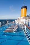 De stoelen van Sunbath op cruisevoering Stock Fotografie