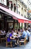 De stoeprestaurant van Parijs, Frankrijk royalty-vrije stock foto