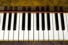 De stoffige Sleutels van de Piano Stock Afbeelding