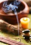 De stokken van het aroma in de kuuroordsalon. Stock Fotografie