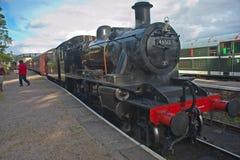 De stoomSpoorweg van Speyside: trein bij Boot van Garten Stock Foto's