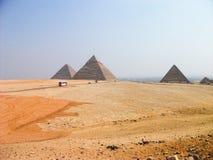 De stora pyramiderna av Giza, Egypten Arkivbild