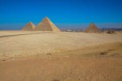 De stora pyramiderna av Giza, Kairo, Egypten Arkivfoto