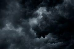 De stormachtige regen betrekt achtergrond Royalty-vrije Stock Foto's