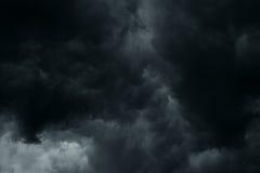De stormachtige regen betrekt achtergrond Royalty-vrije Stock Afbeeldingen