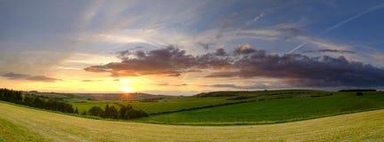 De stormachtige de zomeravond over de Meon-Vallei, Zuiden verslaat Nationaal Park, het UK royalty-vrije stock foto's
