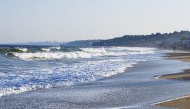 De stormachtige Zwarte Zee en het `s strand Royalty-vrije Stock Afbeelding