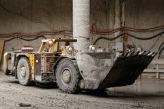 De stortplaatsvrachtwagen van de tunnelbouw Royalty-vrije Stock Foto's