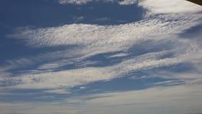 De sträckta molnen royaltyfria bilder