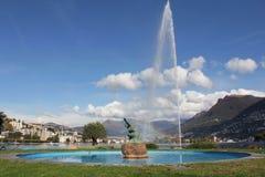De straal van het water en regenboog Royalty-vrije Stock Afbeeldingen