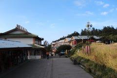 De straat bovenop MT Emei royalty-vrije stock fotografie