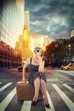 De straat in de stad van New York, surise op achtergrond Royalty-vrije Stock Afbeelding