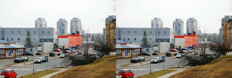 De straat en de nieuwe gebouwen in Pasilaiciai Stock Foto's